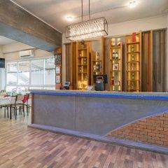Отель Hangover Inn гостиничный бар