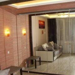 Гостиница Afrikanskij Dizajn Apartments в Санкт-Петербурге отзывы, цены и фото номеров - забронировать гостиницу Afrikanskij Dizajn Apartments онлайн Санкт-Петербург комната для гостей фото 3
