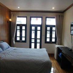 Отель The Royal ThaTien Village фото 5