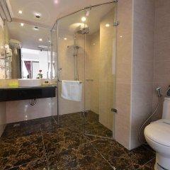 Отель Golden Sun Suites Hotel Вьетнам, Ханой - отзывы, цены и фото номеров - забронировать отель Golden Sun Suites Hotel онлайн ванная