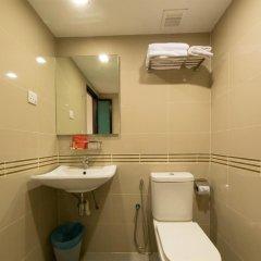 Отель Oyo 125 K Hotel Малайзия, Куала-Лумпур - отзывы, цены и фото номеров - забронировать отель Oyo 125 K Hotel онлайн ванная фото 2