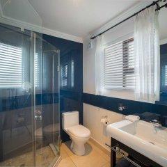 Отель Candlewood Lodge ванная