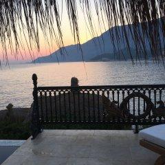 Lukka Exclusive Hotel Турция, Калкан - отзывы, цены и фото номеров - забронировать отель Lukka Exclusive Hotel - Adult Only онлайн пляж