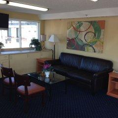 Отель Whiteroof Inn США, Такома - отзывы, цены и фото номеров - забронировать отель Whiteroof Inn онлайн комната для гостей фото 2