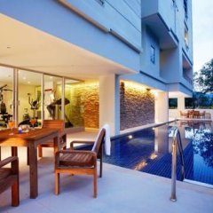 Отель The Point Condominium Таиланд, Пхукет - отзывы, цены и фото номеров - забронировать отель The Point Condominium онлайн бассейн