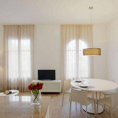 Апартаменты Barcelona Apartment Viladomat комната для гостей фото 5