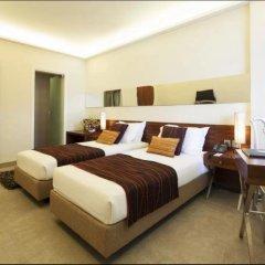 Отель Diplomat Нью-Дели сейф в номере