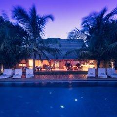 Отель Pledge 3 бассейн