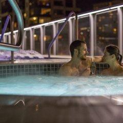 Отель Shangri-La Hotel Vancouver Канада, Ванкувер - отзывы, цены и фото номеров - забронировать отель Shangri-La Hotel Vancouver онлайн бассейн фото 3
