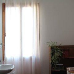 Отель Хостел Domus Civica Италия, Венеция - 3 отзыва об отеле, цены и фото номеров - забронировать отель Хостел Domus Civica онлайн ванная фото 2