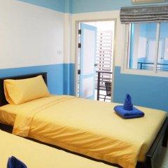 Отель Sooi-Tee Guest House 2 Таиланд, Паттайя - отзывы, цены и фото номеров - забронировать отель Sooi-Tee Guest House 2 онлайн комната для гостей фото 4