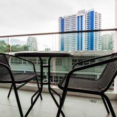 Отель The Point Pratumnak By PSR Паттайя балкон