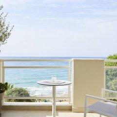 Отель Pelekas Beach (side Sea View - Half Board) Греция, Корфу - отзывы, цены и фото номеров - забронировать отель Pelekas Beach (side Sea View - Half Board) онлайн балкон