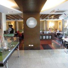 Отель Makati Crown Regency Hotel Филиппины, Макати - отзывы, цены и фото номеров - забронировать отель Makati Crown Regency Hotel онлайн питание фото 2