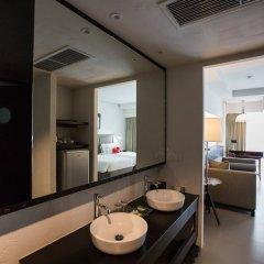 Отель Sugar Palm Grand Hillside Пхукет ванная
