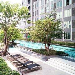 Отель Sukhumvit New Room BTS Bangna Таиланд, Бангкок - отзывы, цены и фото номеров - забронировать отель Sukhumvit New Room BTS Bangna онлайн бассейн