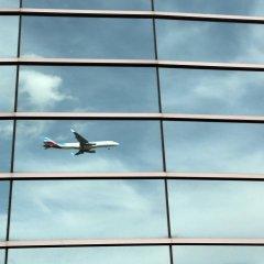 Отель Crowne Plaza Madrid Airport спортивное сооружение