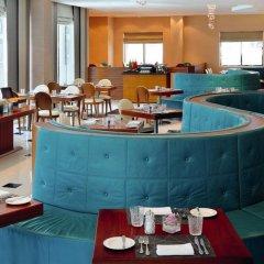 Отель Avani Deira Dubai Hotel ОАЭ, Дубай - 1 отзыв об отеле, цены и фото номеров - забронировать отель Avani Deira Dubai Hotel онлайн питание фото 3