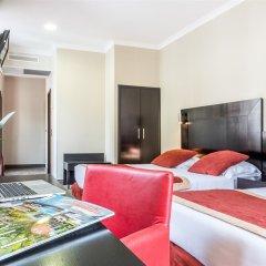 Отель Hôtel de Suède Франция, Ницца - 8 отзывов об отеле, цены и фото номеров - забронировать отель Hôtel de Suède онлайн комната для гостей фото 3