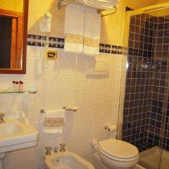 Отель B&B Palazzo Al Torrione Италия, Сан-Джиминьяно - отзывы, цены и фото номеров - забронировать отель B&B Palazzo Al Torrione онлайн ванная