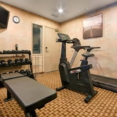Отель Best Western Plus Rama Inn & Suites фитнесс-зал фото 2