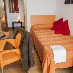 Отель Apartamentos Turísticos Bahía de Boó удобства в номере