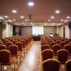 Отель Mondial Hotel Албания, Тирана - отзывы, цены и фото номеров - забронировать отель Mondial Hotel онлайн с домашними животными