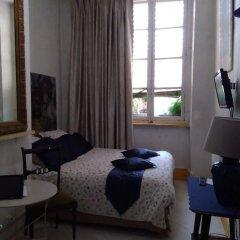 Отель Chambres Les Soyeuses Франция, Лион - отзывы, цены и фото номеров - забронировать отель Chambres Les Soyeuses онлайн комната для гостей фото 4
