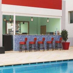 Отель Ramada Encore Tangier Марокко, Танжер - 1 отзыв об отеле, цены и фото номеров - забронировать отель Ramada Encore Tangier онлайн бассейн фото 2