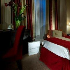 Dei Borgognoni Hotel сейф в номере