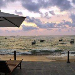 Отель Coral Rock By Amaya Хиккадува пляж