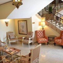 Sheraton Khalidiya Hotel интерьер отеля