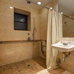 Отель Wellington Hotel США, Нью-Йорк - 10 отзывов об отеле, цены и фото номеров - забронировать отель Wellington Hotel онлайн ванная фото 2