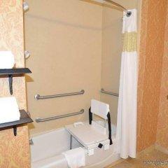Отель Hampton Inn & Suites Lake City, Fl Лейк-Сити ванная