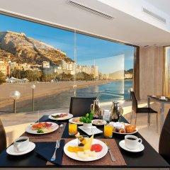 Отель Melia Alicante в номере