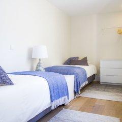 Отель Liiiving in Porto - Central Garden Flat Порту комната для гостей