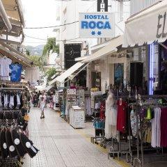 Отель Hostal Roca Испания, Сан-Антони-де-Портмань - 4 отзыва об отеле, цены и фото номеров - забронировать отель Hostal Roca онлайн развлечения