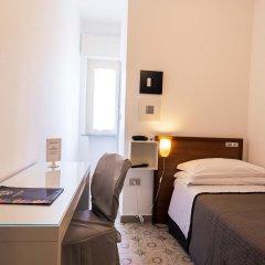 Hotel Antagos сейф в номере