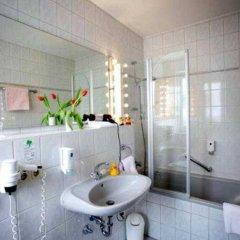 Отель Carmen Германия, Мюнхен - 9 отзывов об отеле, цены и фото номеров - забронировать отель Carmen онлайн ванная фото 2