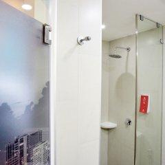 Отель Red Planet Bangkok Surawong ванная фото 2