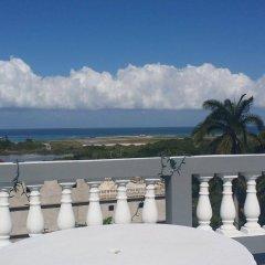 Отель Palm View Guesthouse And Conference Centre Монтего-Бей балкон