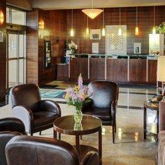 Отель Quality Suites Toronto Airport Канада, Торонто - отзывы, цены и фото номеров - забронировать отель Quality Suites Toronto Airport онлайн интерьер отеля фото 2