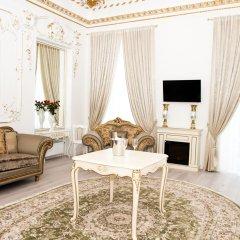 Гостиница De Versal комната для гостей
