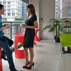 Отель Fraser Place Kuala Lumpur Малайзия, Куала-Лумпур - 2 отзыва об отеле, цены и фото номеров - забронировать отель Fraser Place Kuala Lumpur онлайн гостиничный бар