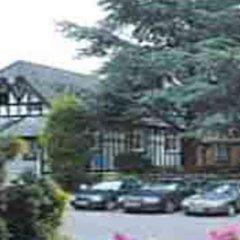The Lymm Hotel парковка
