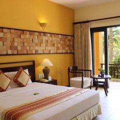 Отель Pandanus Resort сейф в номере