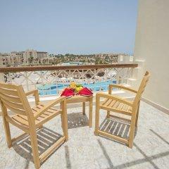 Отель Royal Lagoons Aqua Park Resort Families and Couples Only - All Inclusi балкон