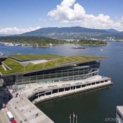 Отель The Fairmont Waterfront Канада, Ванкувер - отзывы, цены и фото номеров - забронировать отель The Fairmont Waterfront онлайн приотельная территория