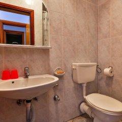 Отель Villa Dvor Kornic Черногория, Будва - отзывы, цены и фото номеров - забронировать отель Villa Dvor Kornic онлайн ванная