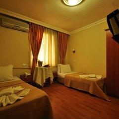 Отель Sen Palas сейф в номере